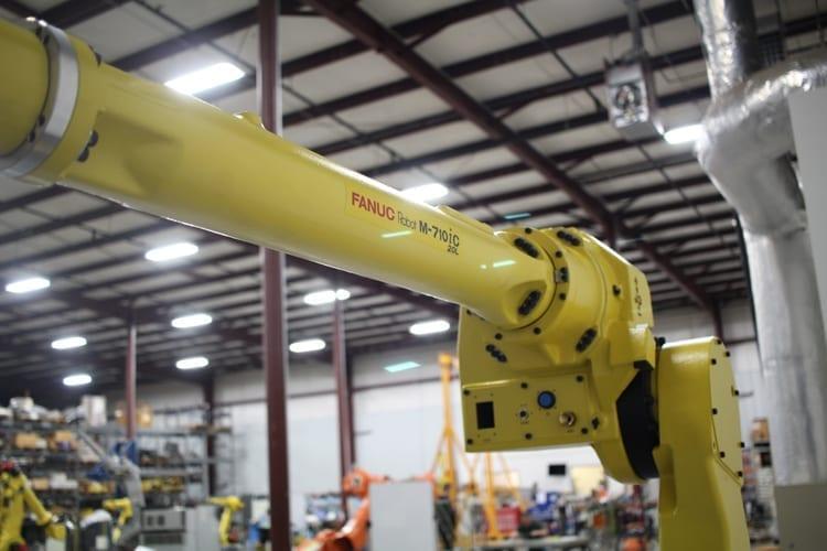 Fanuc M-710iC/20L R-30iA Robot